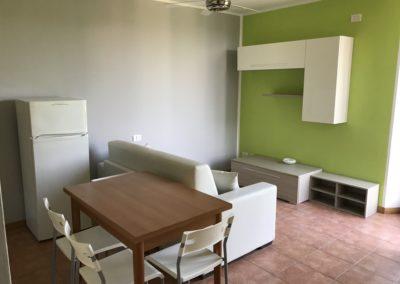 Monolocale Arredato – posti – Via San Fereolo 3B – 26900 Lodi – Rif: 64573